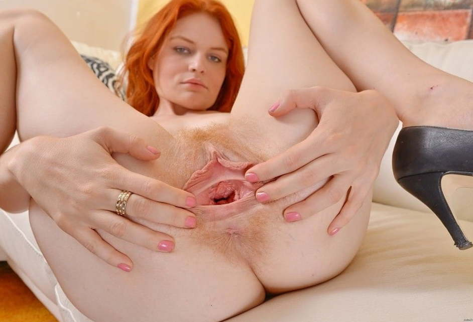 Free Pic Pussy Redhead Spreading